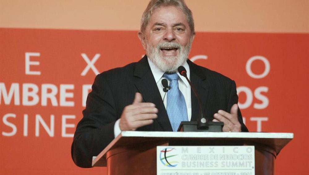Lula da Silva sufre cáncer de laringe