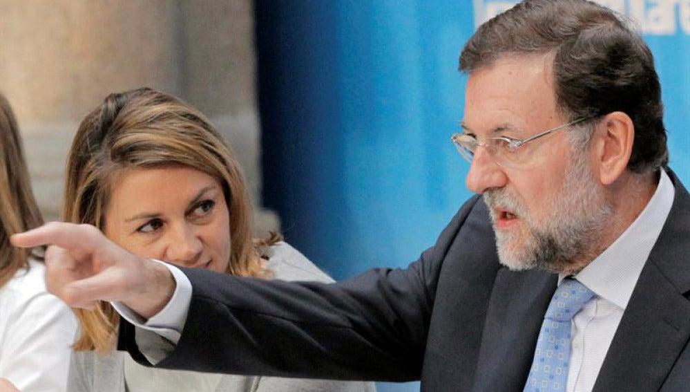 Rajoy junto a Cospedal en Santiago