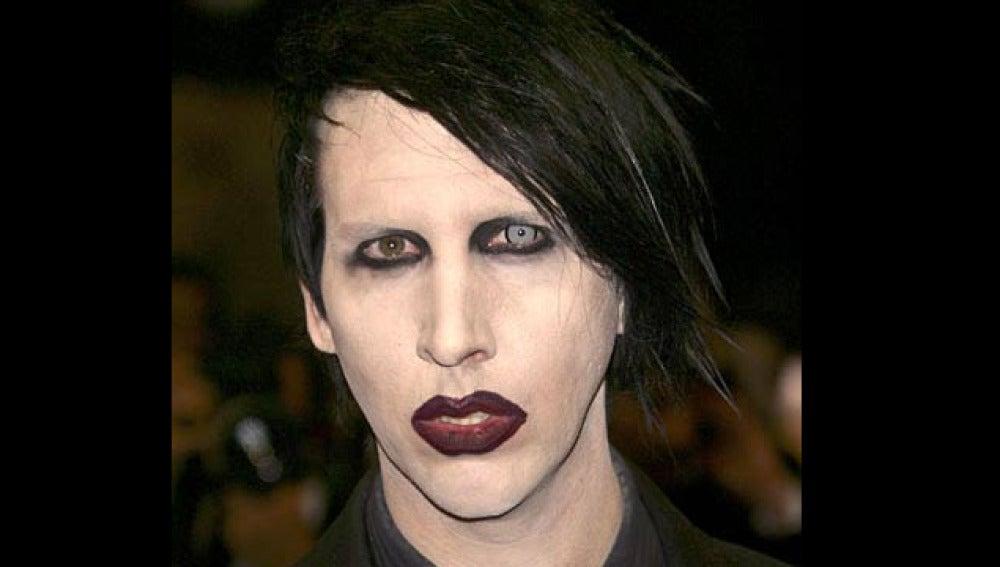 Marilyn Manson siempre se ha caracterizado por su provocativa imagen.