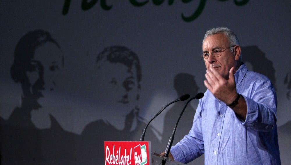 El coordinador de IU, Cayo Lara, en la presentación de campaña