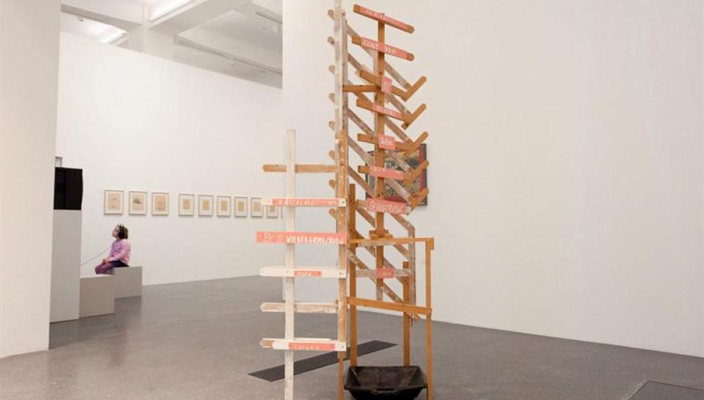 """La obra """"Cuando los tejados comienzan a gotear"""", del artista alemán Martin Kippenberger"""