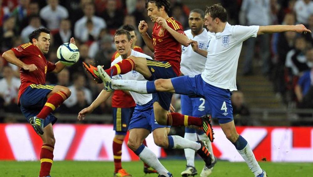 España se la pega en Wembley