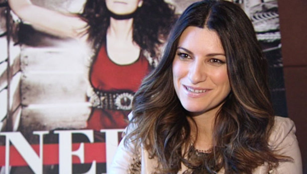 Laura Pausini en un momento de su entrevista con antena3.