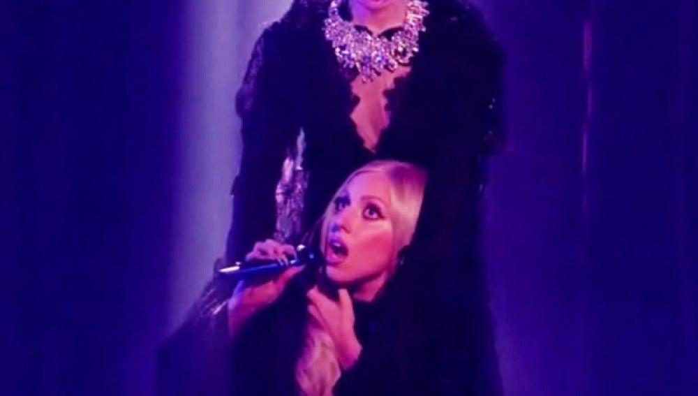 Lady Gaga aparece sin cabeza