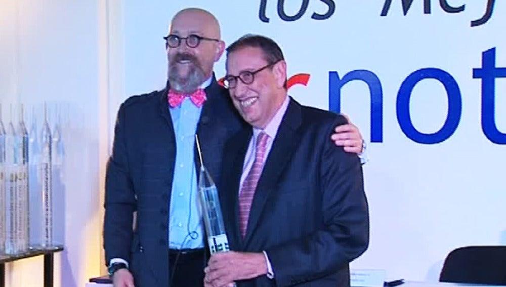 Mauricio Casals premiado en los galardones PR del periodismo.