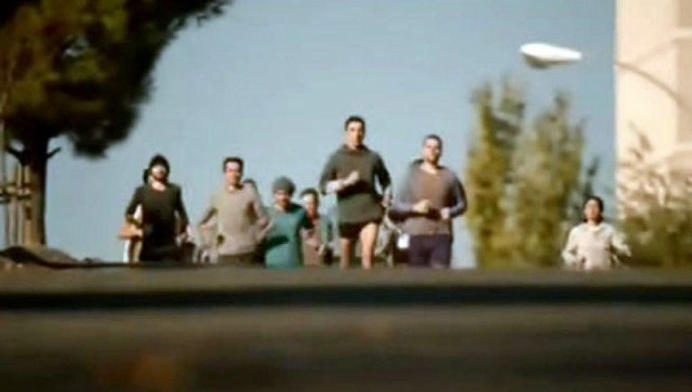 El sprint final de un atleta, nuevo vídeo del PSOE