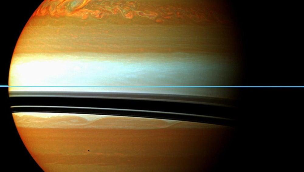 Tormenta en Saturno (18-11-2011)