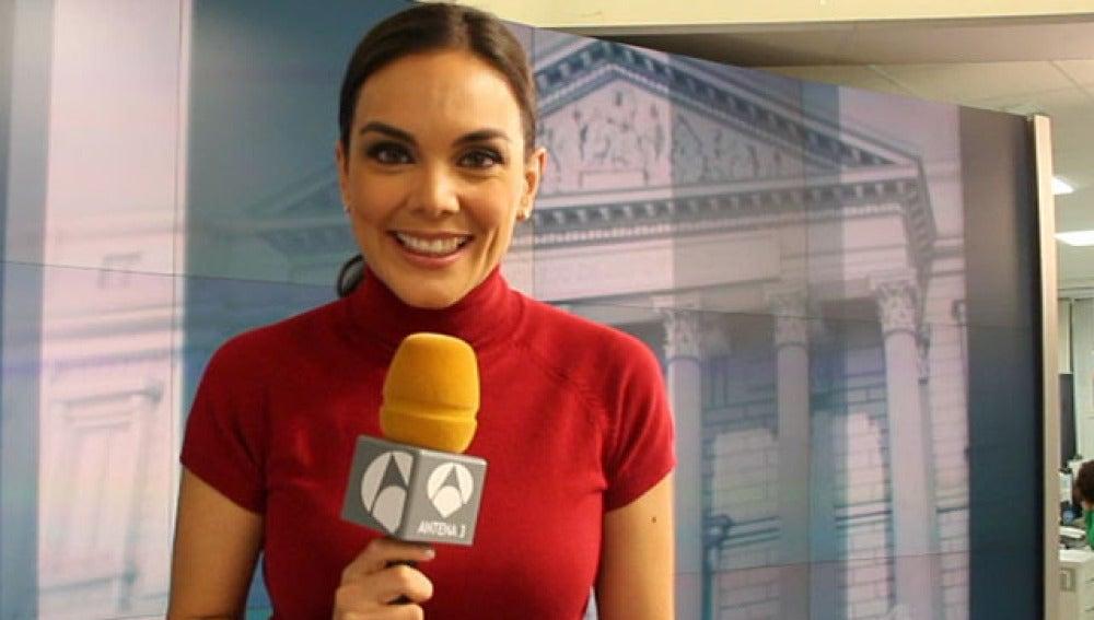 Mónica Carrillo, presentadora de Noticias 1