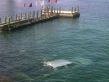 El coche hundido en el puerto de Antofagasta