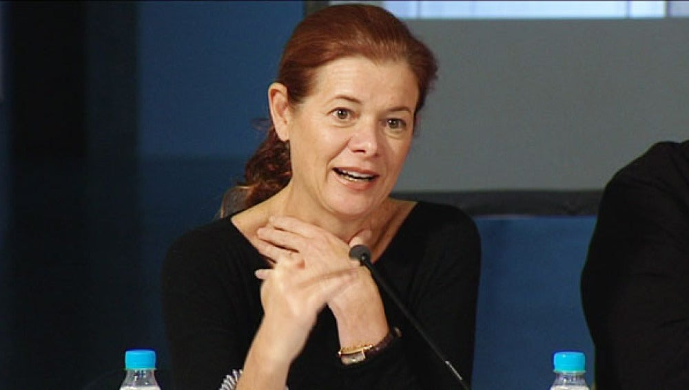 Elena Ochoa en la presentación del libro sobre la vida de su marido.