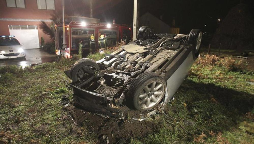 Dos muertos en un accidente en Pontevedra