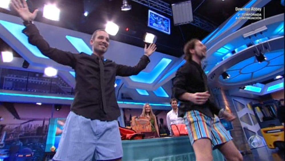 Juan y Damián en calzoncillos