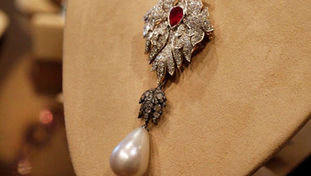 La perla 'Peregrina' que perteneció a Taylor
