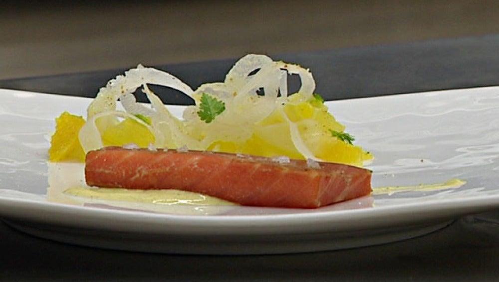 Un salmón cocinado de manera saludable