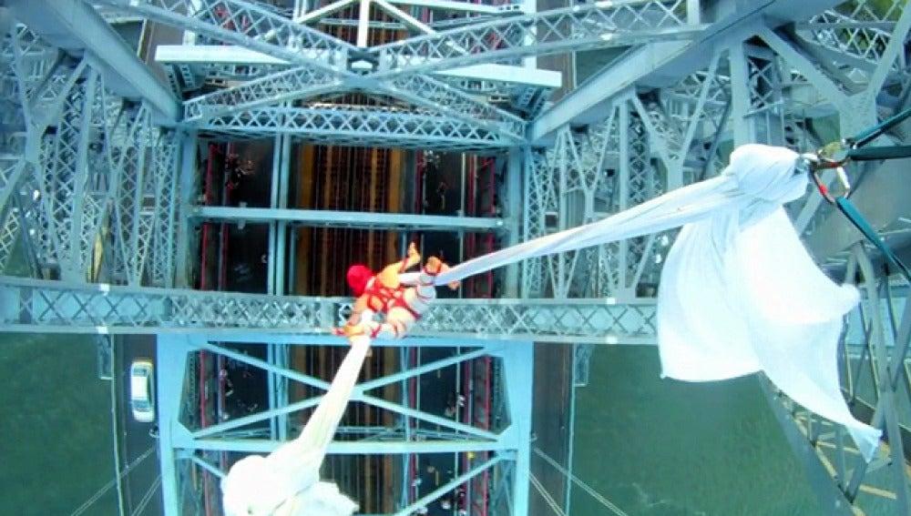 Seanna Sharpe, toda la vida dedicada a la acrobacia aérea