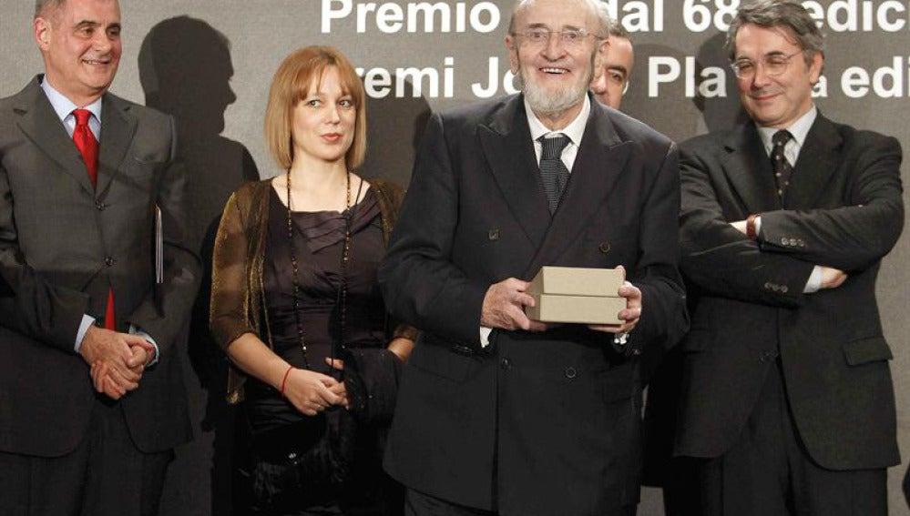 Álvaro Pombo gana el LXVIII Premio Nadal