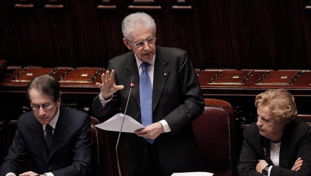 Mario Monti en el Parlamento italiano