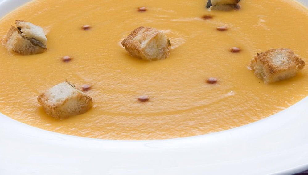 Crema de zanahoria con costrones