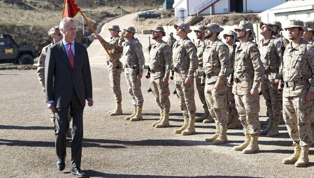 El ministro de Defensa, Pedro Morenés, durante la visita a las tropas en Afganistán