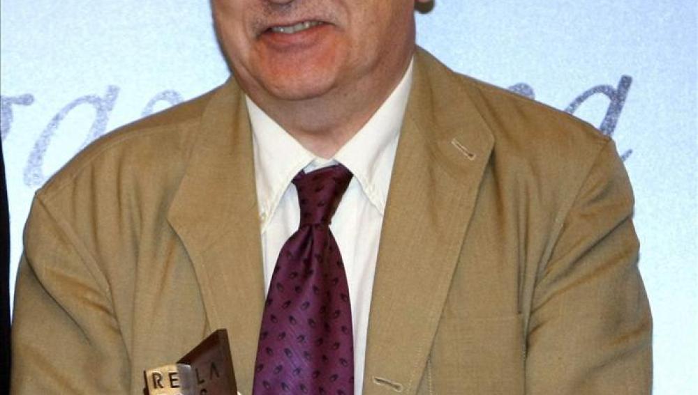 El escritor Manuel Longares gana el Premio Francisco Umbral.
