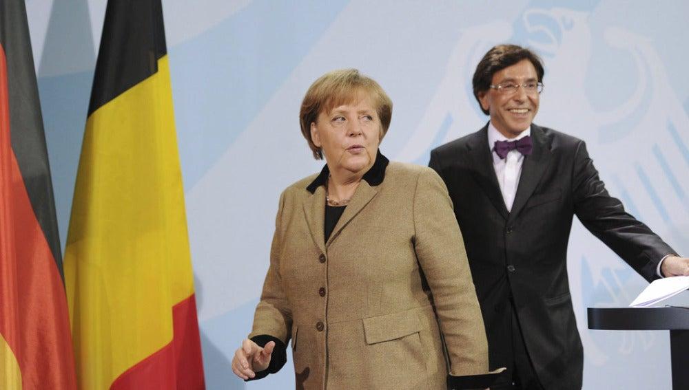 Angela Merkel y el primer ministro belga, Elio Di Rupo