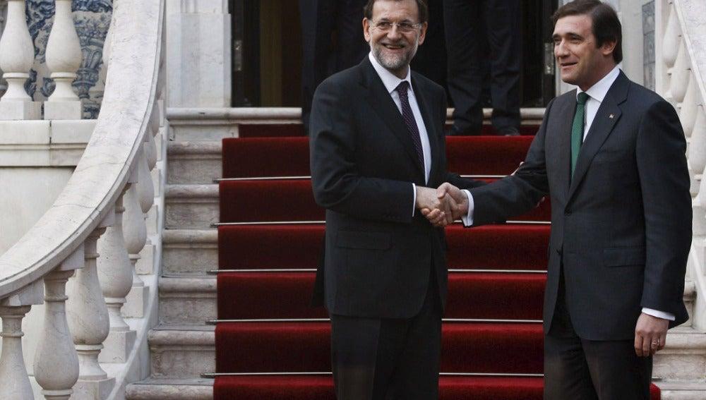 Mariano Rajoy junto a Passos Coelho