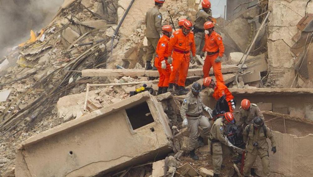 Derrumbe de tres edificios en Río de Janeiro