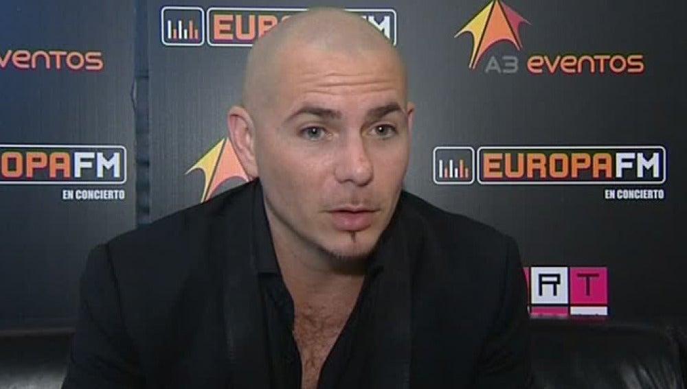 El cantante Pitbull durante la entrevista