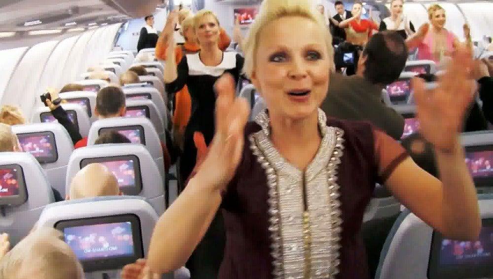 Azafatas de Finnair bailando