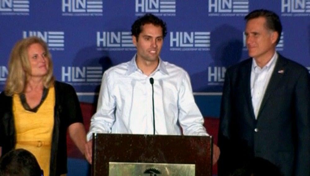 Romney está con los latinos