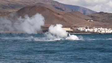 Erupción del volcán submarino de El Hierro