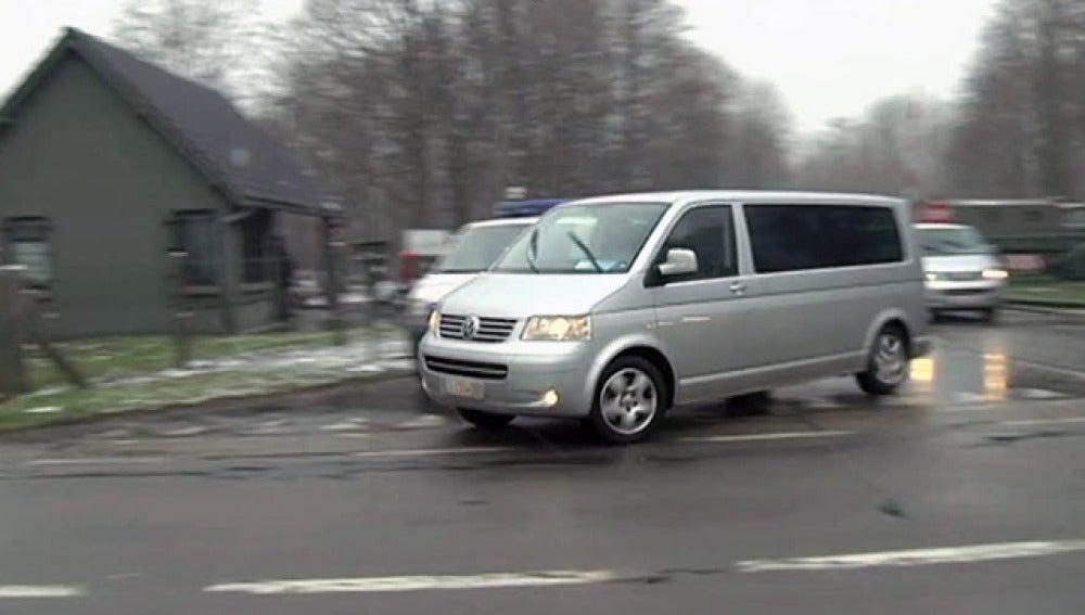 Rajoy llega a Bruselas en taxi por la huelga