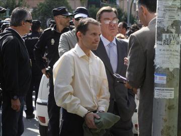 José Bretón durante la reconstrucción policial en el parque