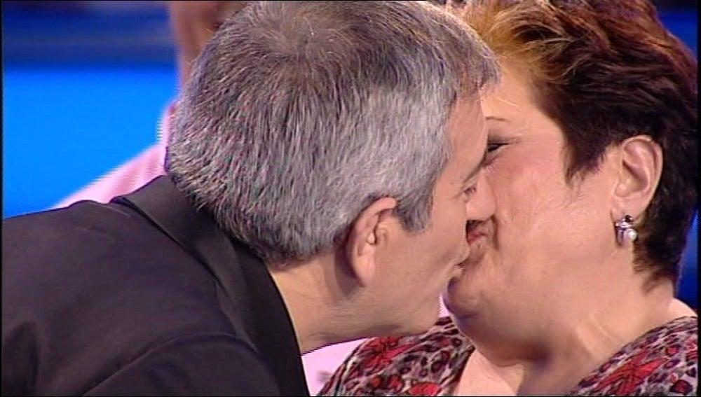 El Beso de Carlos Sobera y Marisol