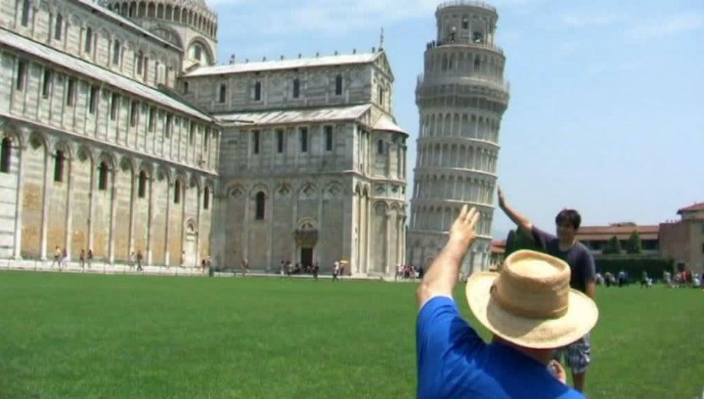 La inclinación de los monumentos como reclamo turístico