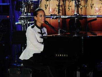 Alicia Keys en la gala previa a los Grammy