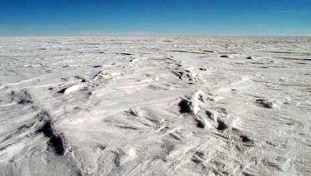 Descubren un lado a 4.000 metros bajo el hielo