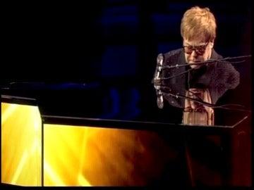 Elton John recordando a Whitney Houston