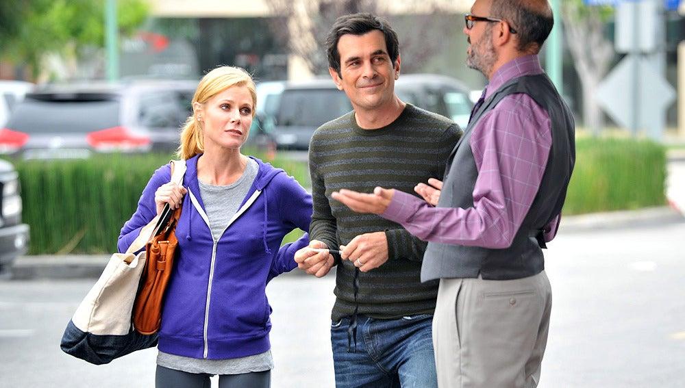 Phil, Claire y el concejal Bailey