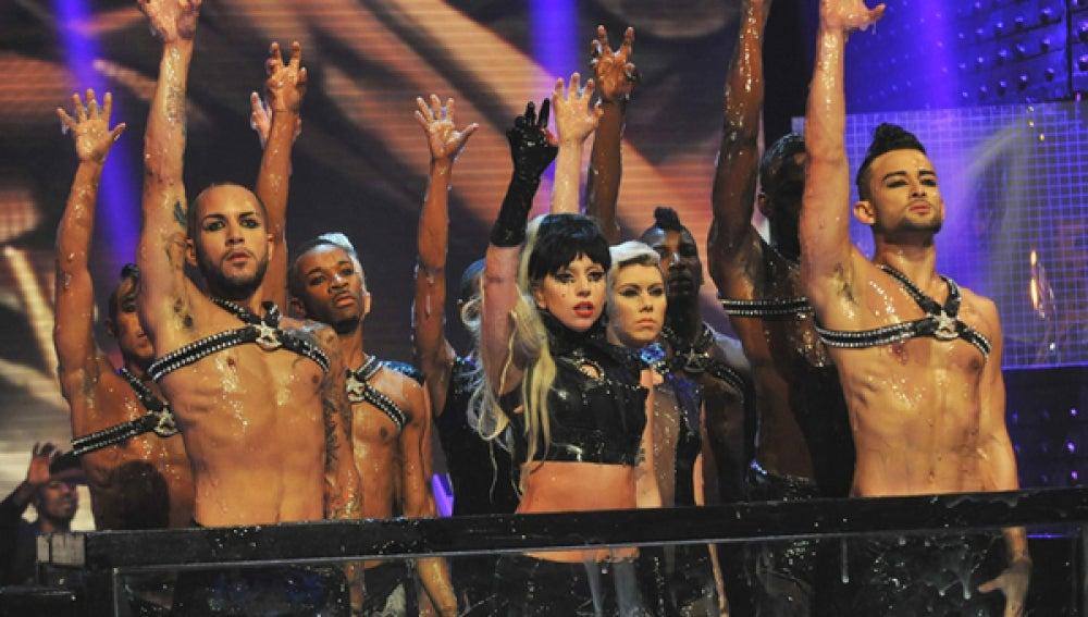 Lady Gaga en una de sus actuaciones