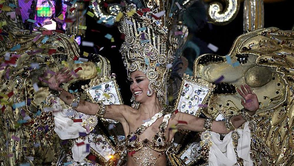 """Carmen Gil, con la fantasía """"Imperio"""""""