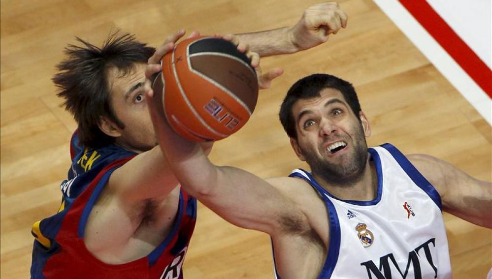 Barcelona y Real Madrid se baten en duelo