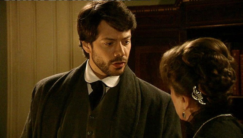 Adolfo advierte a Leonor