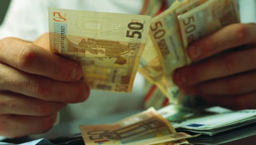 Los pagos en efectivo se limitarán en las transacciones entre empresas.