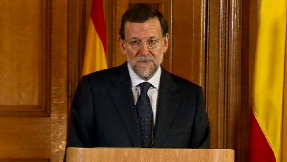 Mariano Rajoy en rueda de prensa en Londres