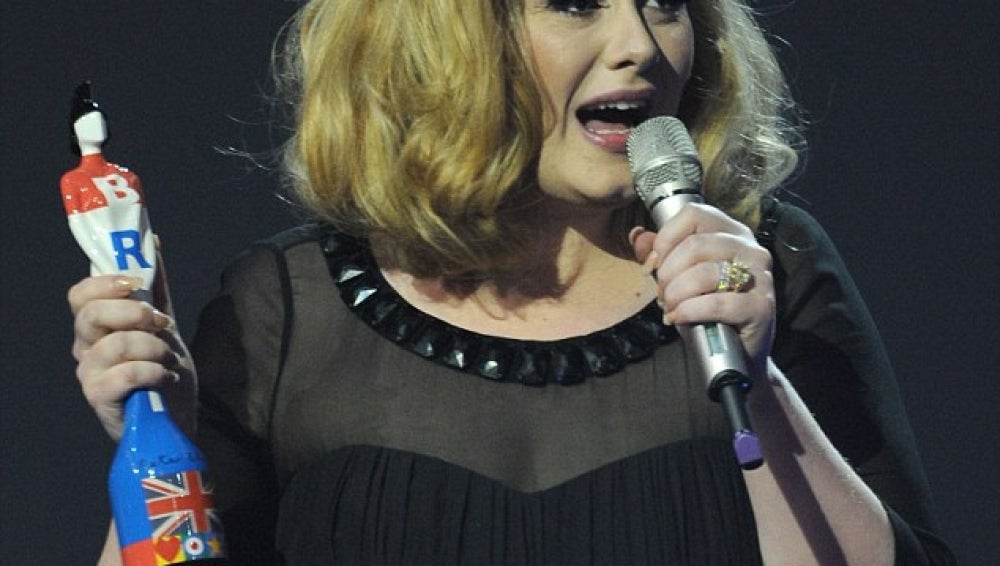 Adele triunfa en los Brit Awards