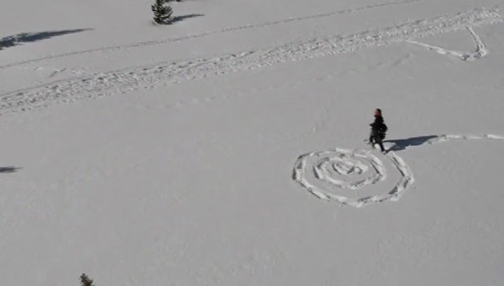 Dibujos artísticos en la nieve