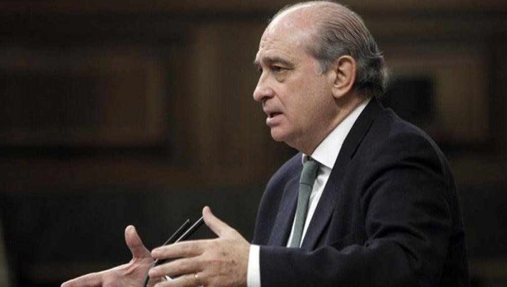 El ministro del Interior no permitirá acercamientos sin la resolución de ETA