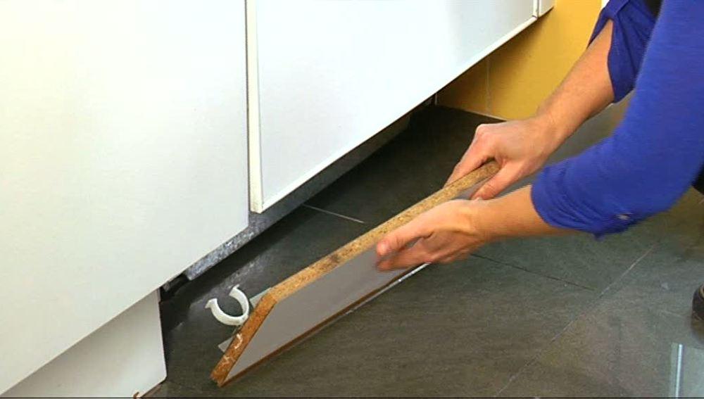 ANTENA 3 TV | Cambia el zócalo de tu cocina