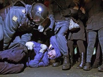 La Policía carga contra los manifestantes rusos